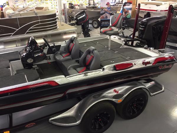 Bass Cat Boats Eyra