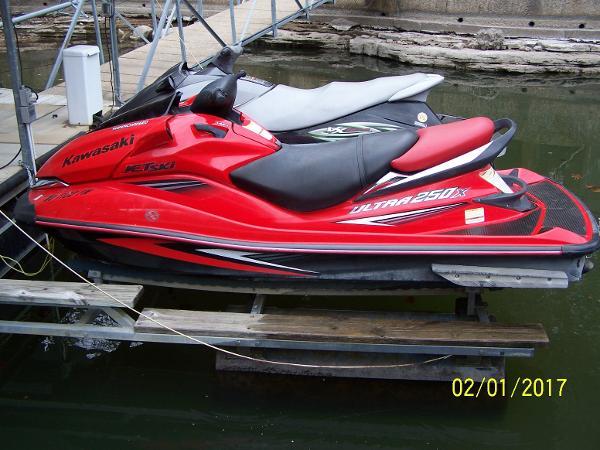 Kawasaki Ultra 250 X Profile