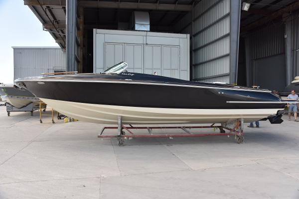Chris-Craft Corsair 30