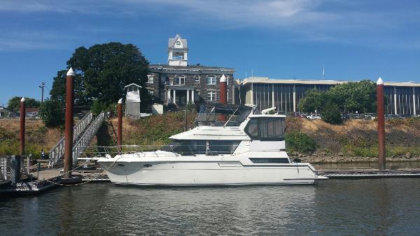 Carver 430 Cockpit Motor Yacht