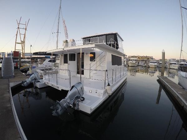 Custom Cruisecat 40