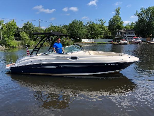 Sea Ray 240 SD Sundeck