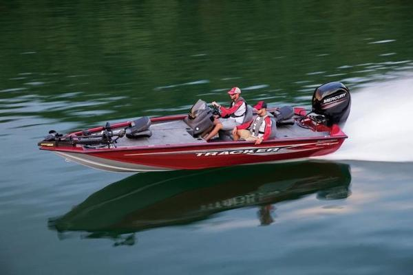 Tracker ® Boats Pro Team™ 195 TXW Tournament Edition