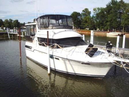Carver 3807 Aft Cabin Motoryacht Main