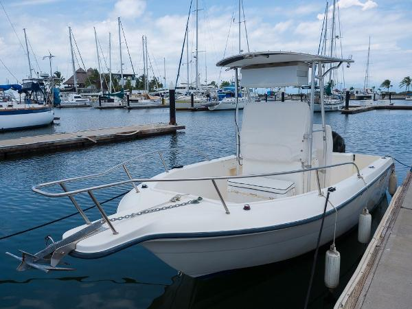 Sea Fox 210 Center Console