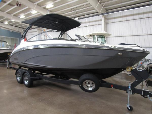 Yamaha Boats 242 Limited SE