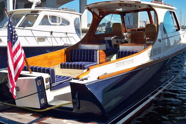 Hinckley Picnic Boat MKIII Meridian