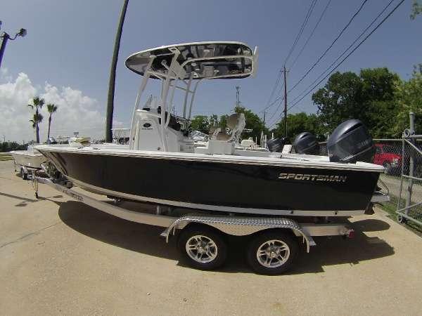 Sportsman Boats 247 Masters Platinum