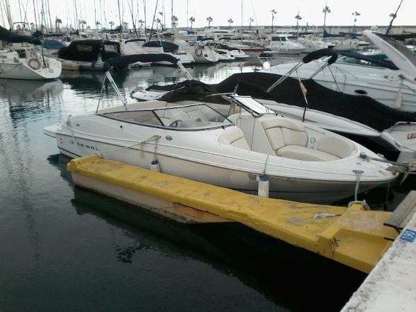 Regal 2400 Bowrider