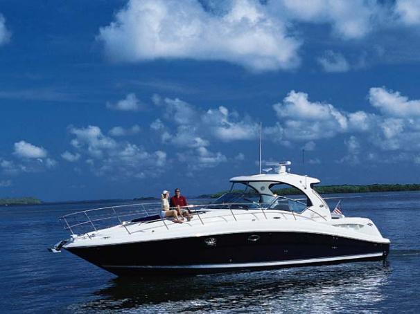 Sea Ray 390 Sundancer Manufacturer Provided Image