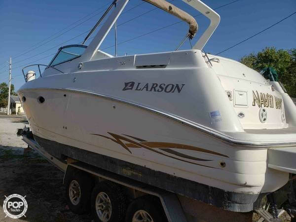 Larson Cabrio 290 Mid Cabin 2000 Larson 32 for sale in Lake Worth, FL
