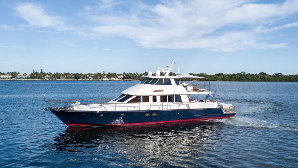 Hunt Yachts 80 Ocean Series