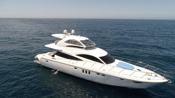 Dyna 65 Motor Yacht