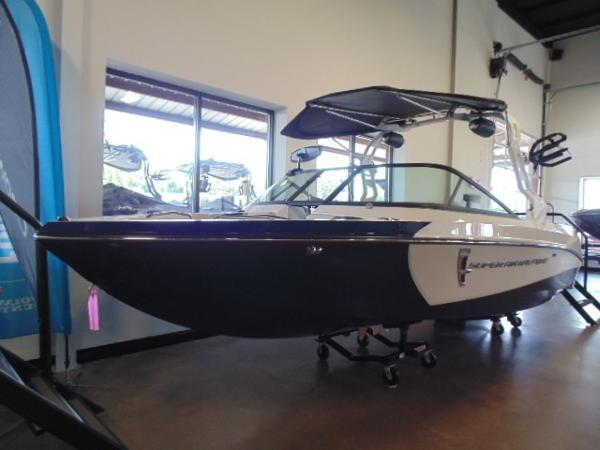 Nautique Super Air 210