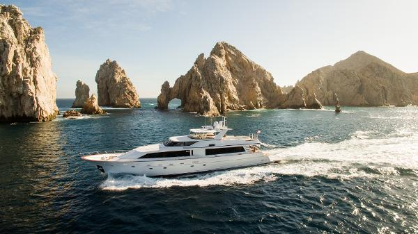 Crescent 105 Motoryacht