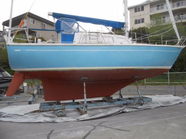 CAL 35 Cruising Sloop Sailboat
