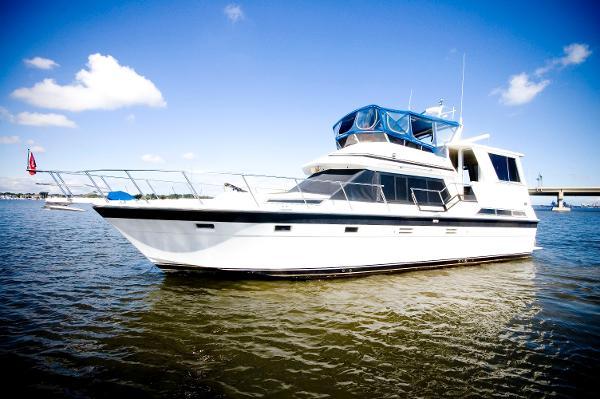 Hi-Star 48 Motor Yacht CLASSIC YACHT
