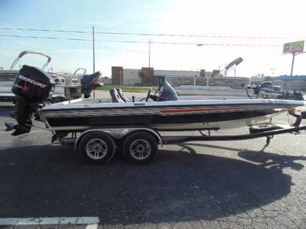 Champion Boats 206 SC