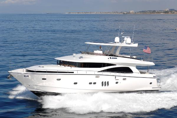 Johnson 75 Motor Yacht