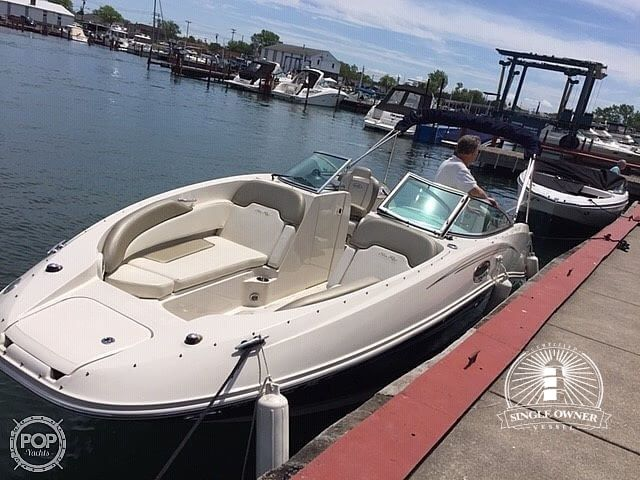 Sea Ray 260 Sundeck 2007 Sea Ray 260 Sundeck for sale in North Tonawanda, NY