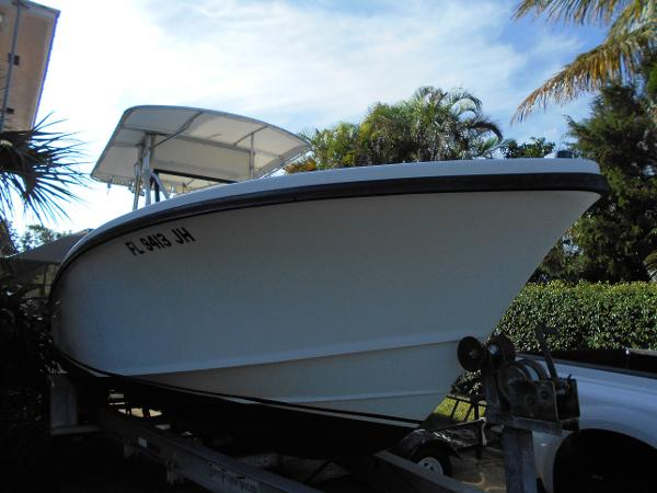 Ocean Master 27 CC Starboard Bow