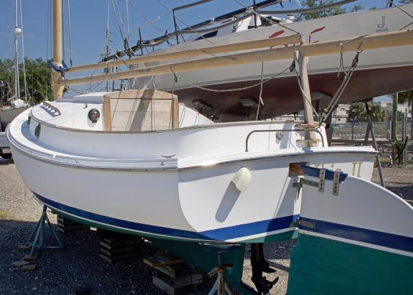 Herreshoff Catboat