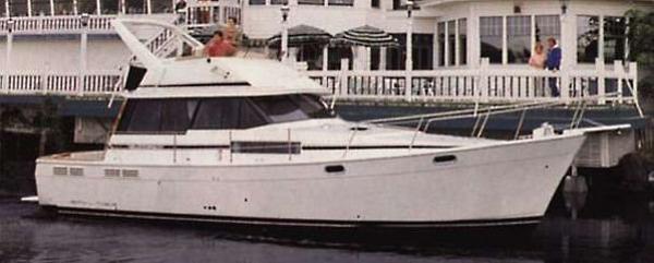 Bayliner 3888 Motoryacht Manufacturer Provided Image