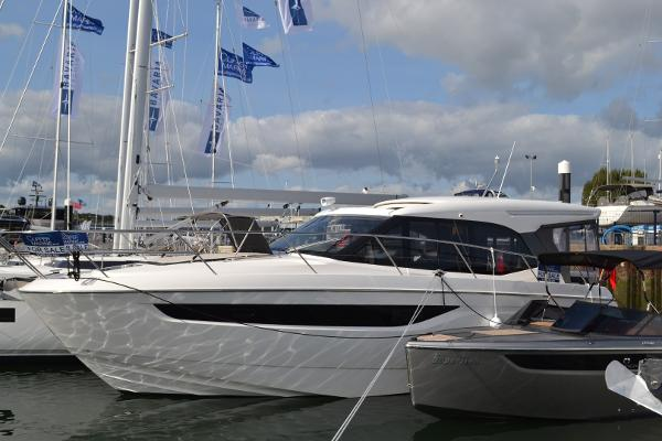 Bavaria R40 Coupe Library photo - Similar Vessel