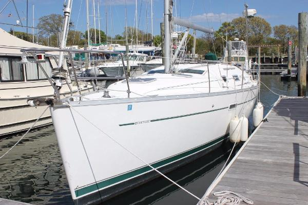 Beneteau 343 Port view