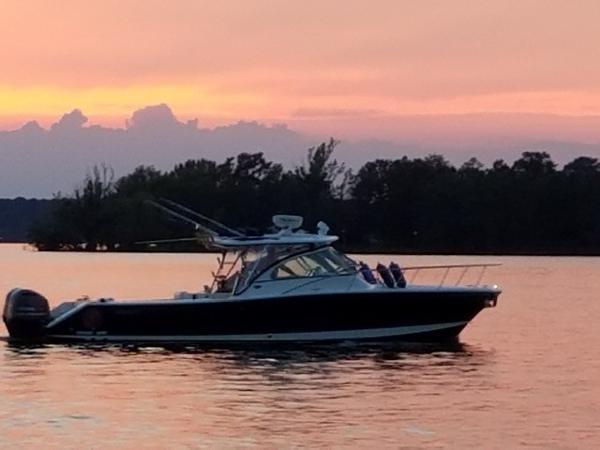Pursuit 345 Drummond Sportfish