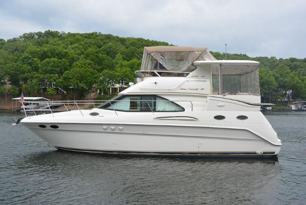 Sea Ray 370 Aft Cabin Profile Port