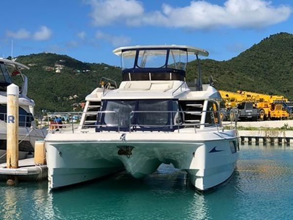 Aquila 48 Front View