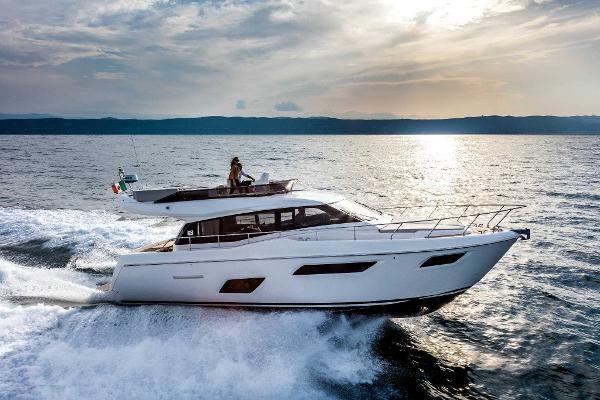 Ferretti Yachts 450