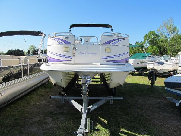 Carolina Skiff 2100 fun deck