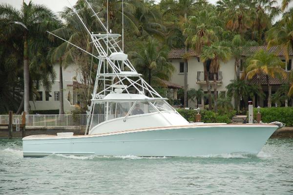 Release Boatworks Walk-around Sportfish GOLD FISH