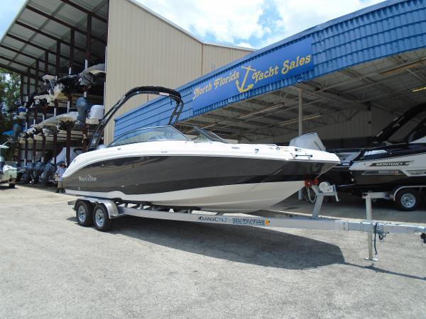 NauticStar 243DC Sport Deck