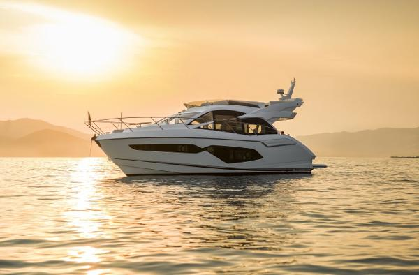 Sunseeker Manhattan 52 Manufacturer Provided Image: Sunseeker Manhattan 52