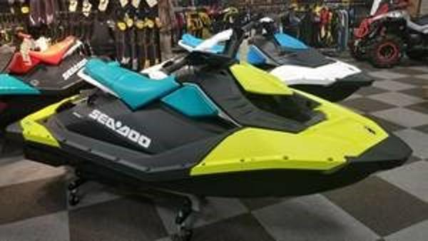 Sea-Doo SPARK® 3-up Rotax 900 HO ACE