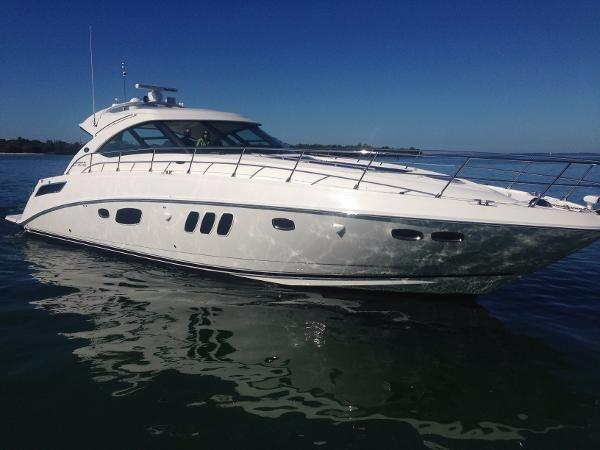 Sea Ray 540 Sundancer White hull - Has a Blue Vinyl Wrap on her currently