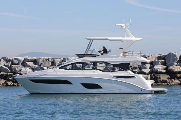 Sea Ray Sport 460 Fly