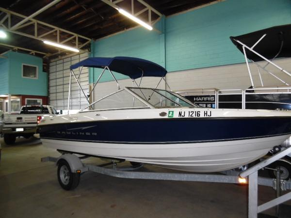 Bayliner Discovery 195