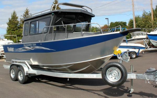 Raider Sea Raider 2284 HT Cuddy