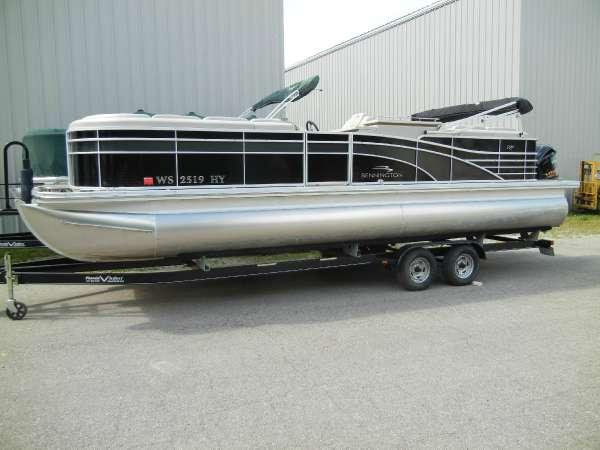 Bennington 2550 RCB
