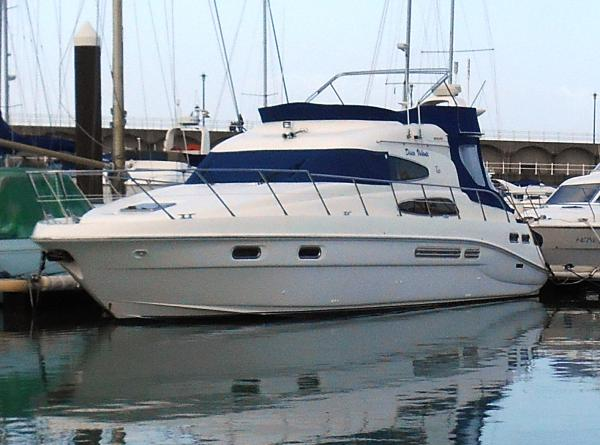 Sealine T46 Motor Yacht Sealine T46 Motor Yacht