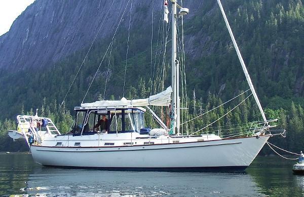 Pearson 422 At Anchor