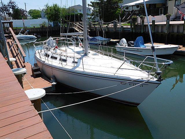 Catalina 36 36' Catalina bow