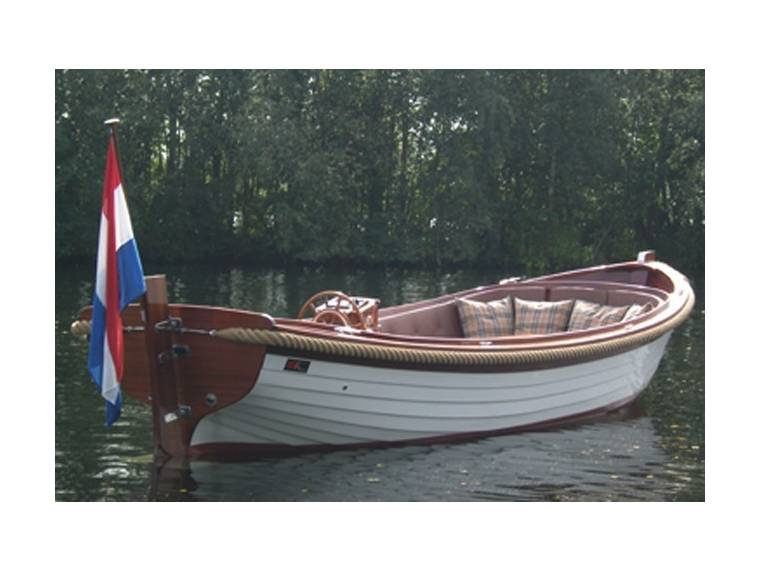 B&C Lifestyle Boats B&C Lifestyle Boats 808
