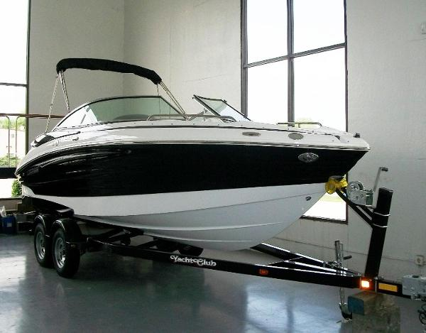 2013 Cruisers Sport 238 With Bimini Top