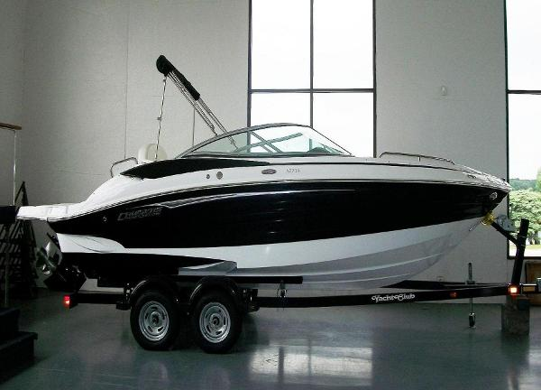 2013 Cruisers Sport 238 With Black Hull Color