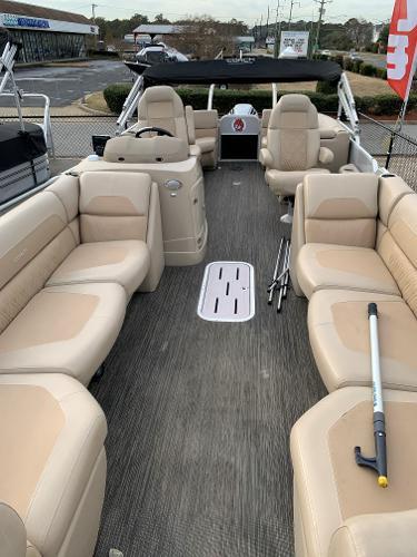 Coach Pontoons 250RF